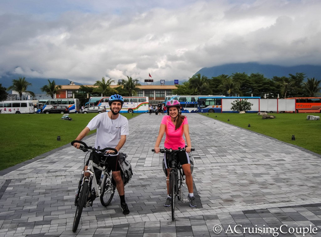 A Cruising Couple cycling Hualien