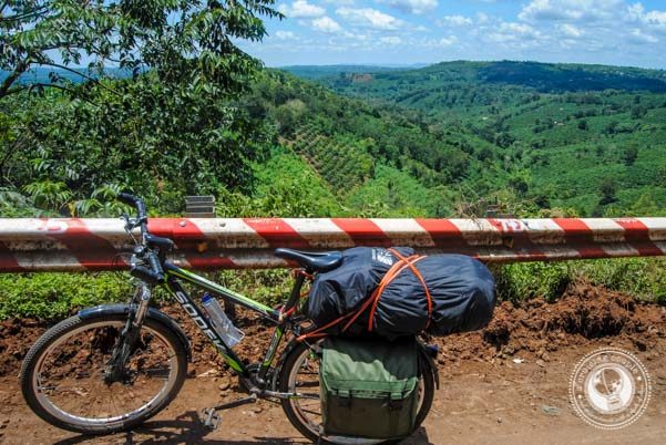 Cycling Vietnam: The Ultimate DIY Guide - A Cruising Couple